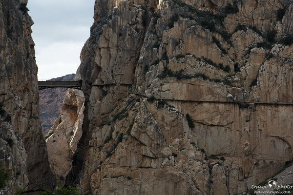 тропа и мост над ущельем,ущелье Эль Чорро,Camino del Rey (Дорога Короля),Parque Natural Ardales,Spain