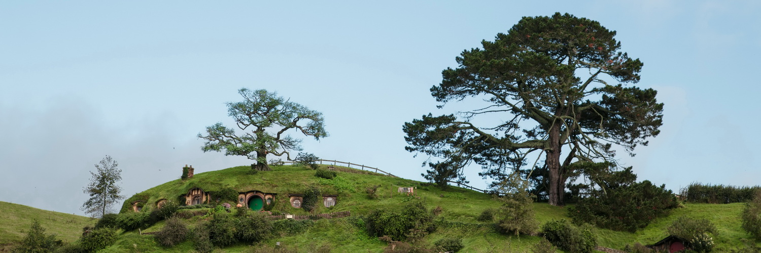 movie set, famous hill,The Hobbiton, The Shire,Хоббитшир, Удел, Хоббитания, Заселье, Край, Matamata, North Island ,New Zealand