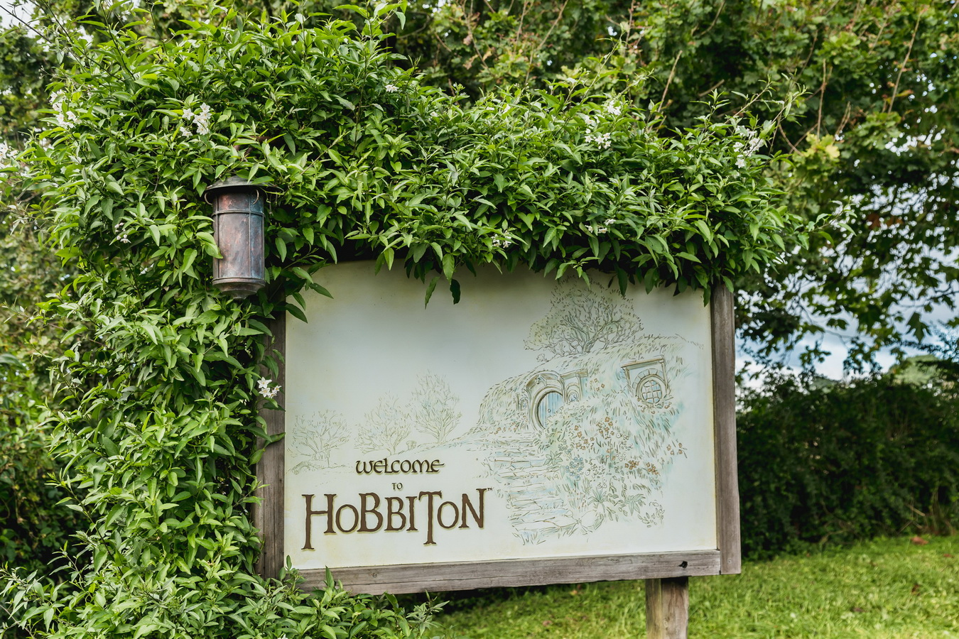 entrance sign,The Hobbiton, The Shire,Хоббитшир, Удел, Хоббитания, Заселье, Край,Matamata, North Island ,New Zealand