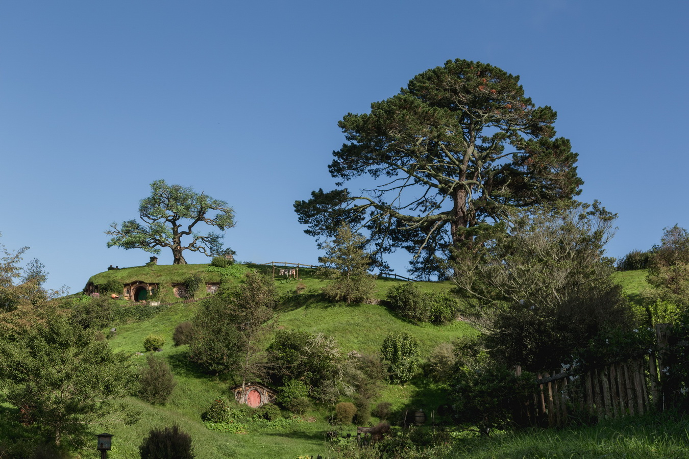 hobbit house,The Hobbiton, The Shire,Хоббитшир, Удел, Хоббитания, Заселье, Край,Matamata, North Island ,New Zealand