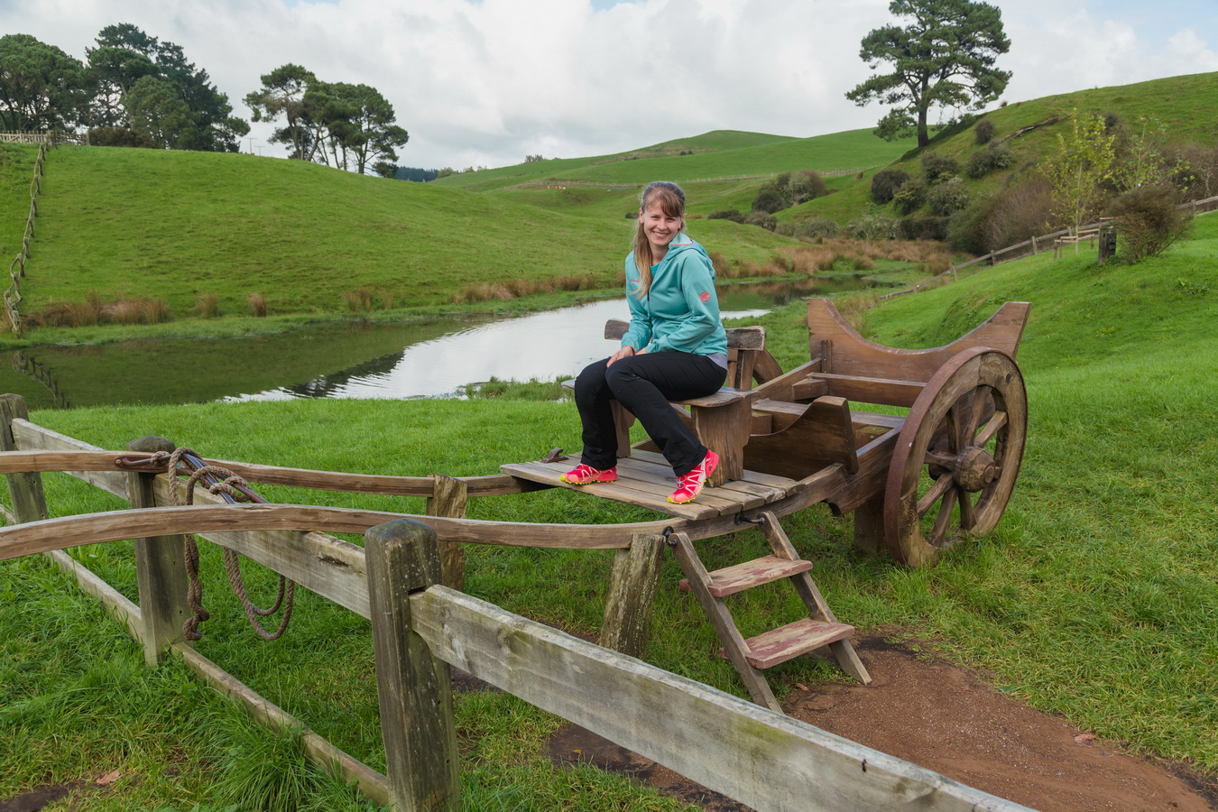 gandalf cart,The Hobbiton, The Shire,Хоббитшир, Удел, Хоббитания, Заселье, Край,Matamata, North Island ,New Zealand