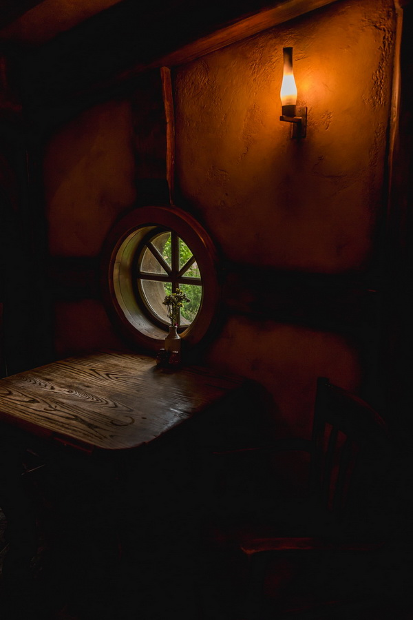 window,The Hobbiton, The Shire,Хоббитшир, Удел, Хоббитания, Заселье, Край,Matamata, North Island ,New Zealand