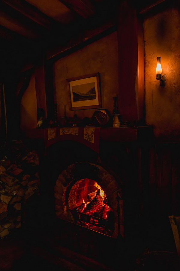 fireplace,The Hobbiton, The Shire,Хоббитшир, Удел, Хоббитания, Заселье, Край,Matamata, North Island ,New Zealand