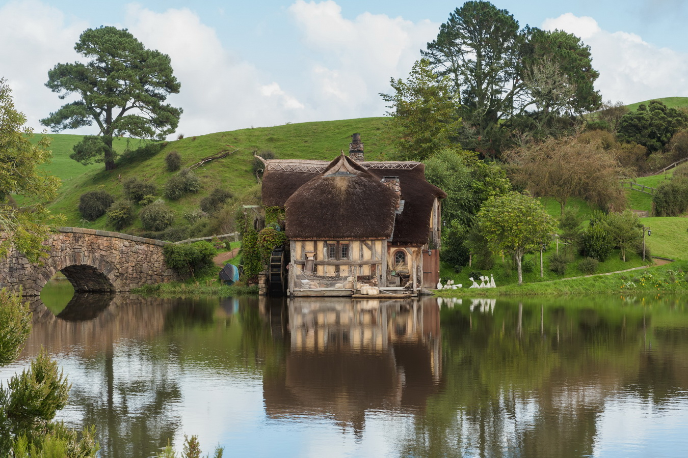 mill,lake,The Hobbiton, The Shire,Хоббитшир, Удел, Хоббитания, Заселье, Край,Matamata, North Island ,New Zealand