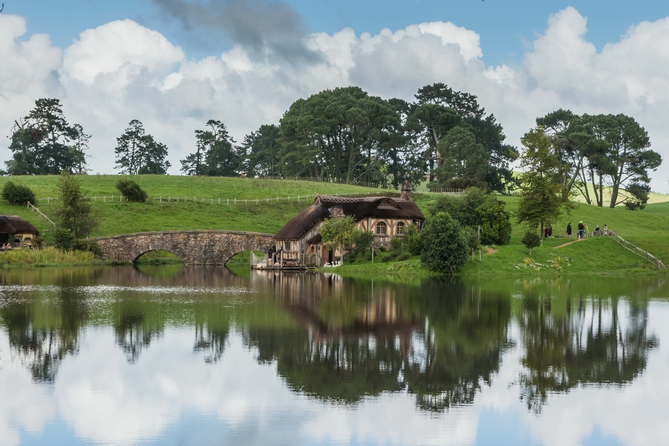 mill,bridge,hill,reflection,The Hobbiton, The Shire,Хоббитшир, Удел, Хоббитания, Заселье, Край,Matamata, North Island ,New Zealand